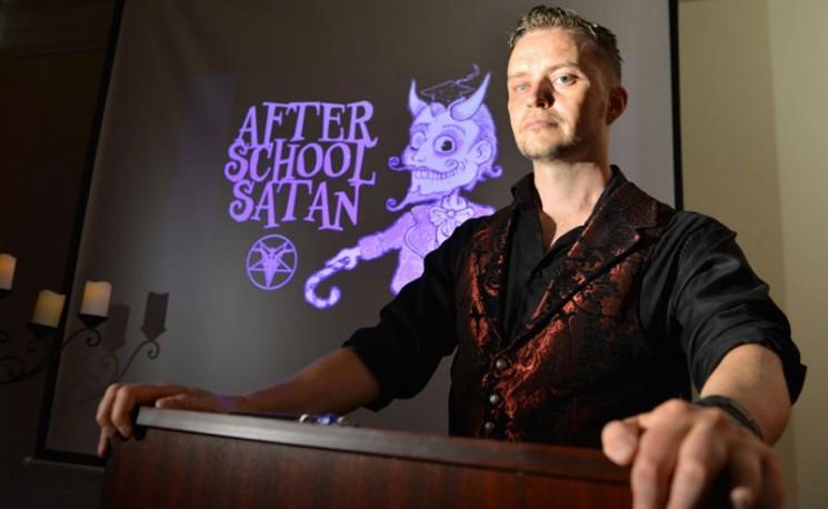 Doug Mesner, a Sátáni Templom társalapítója, aki sátánista körökben a Lucien Greaves névre hallgat.